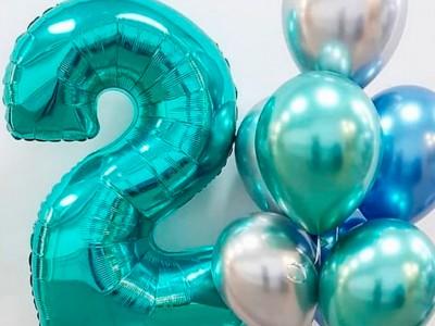 Шарик цифра 2 и фонтан из шариков Голубое Сияние