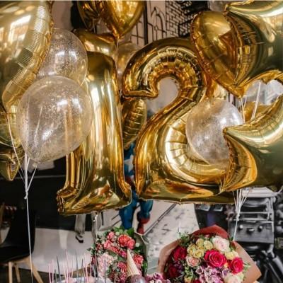 Шарики цифры на день рождения 12 лет Золото и Конфетти