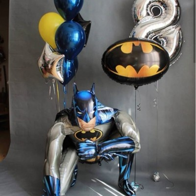 Воздушный шар Бэтмен и цифра 8 в композиции из шаров