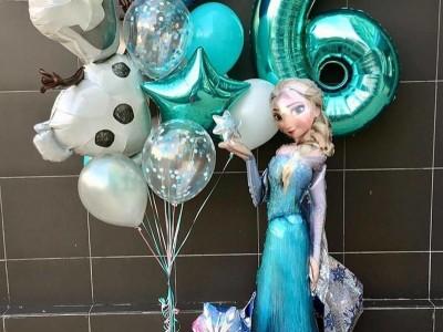 Шар Эльза Олаф и цифра 6 в композиции из шаров