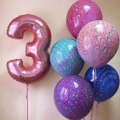 Шар цифра 3 и шары Павлины