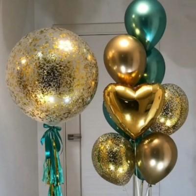 Большой шар с конфетти и фонтан из шаров золото и изумруд