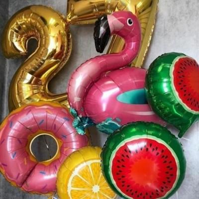 Надувные шары цифры и шар фламинго в букете из шаров
