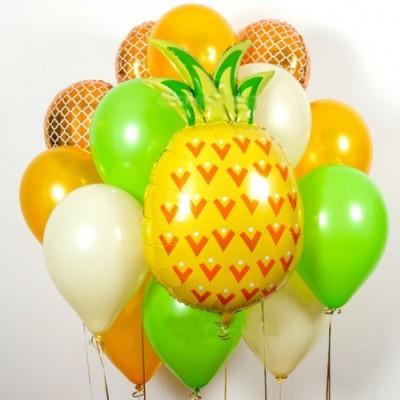 Воздушный шар ананас в композиции из шаров