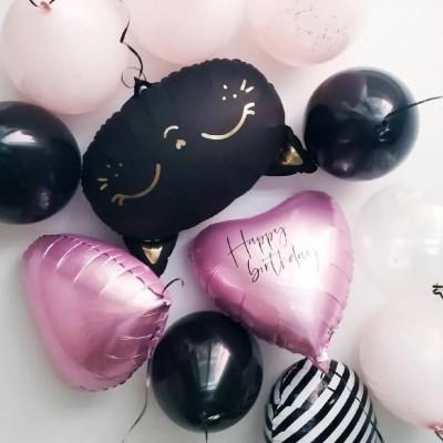 Шар кошка черная в композиции из шаров