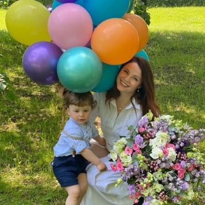 Знаменитости c воздушными шарами от balloondelivery.ru